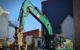 excavators-1247075_640