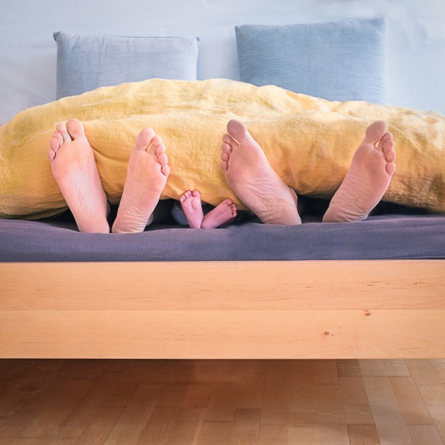 adult-baby-baby-feet-1021051